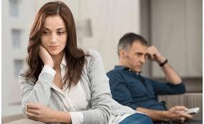 زوجتي تهجرني باستمرار وترفض زواجي بأخري و تهددني !!